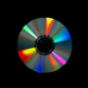 8-compact-disc-with-light-interference-patterns-damien-lovegrove